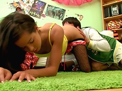 Lovely teen Kiki18 gets her tight wet rnpussy stretched with dick