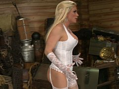Diamond Foxxx, Keiran Lee  Queen giving head, as the King left to watch