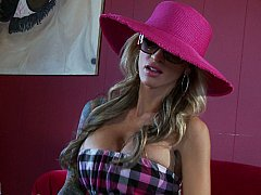 Sarah Jessie  A girl from a big city searching for big dicks