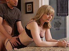 Nina Hartley, Dane Cross  Mature mom Mrs. Hartley fucking her son's friend